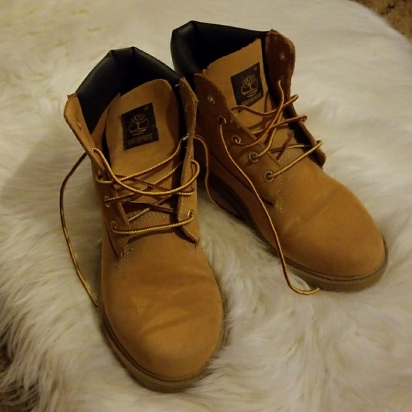 Size 5 youthsize 7 women's Timberland Boots